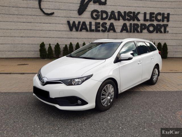Rent a Toyota Auris STW   Car Rental Gdansk  