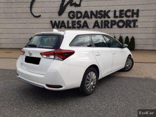Rent a Toyota Auris STW   Car Rental Gdansk    - zdjęcie nr 3